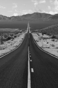 1125x2436 Road Grayscale Photography