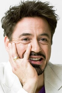 1242x2688 Robert Downery JR