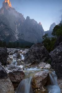 240x320 Rock Mountains Water Flow
