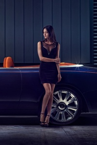 Rolls Royce Dawn Model Posing