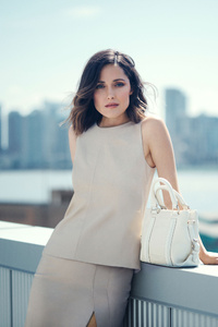 320x480 Rose Byrne HD