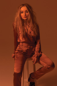 Sabrina Carpenter HD