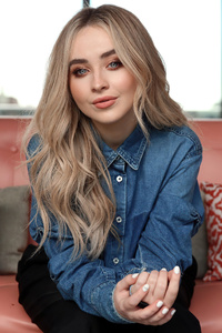 320x480 Sabrina Carpenter Sydney Portrait Shoot 2020 4k
