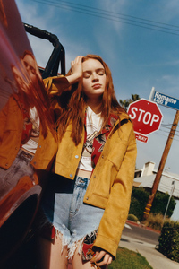 Sadie Sink Pull And Bear 2019