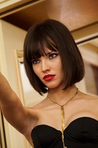 480x854 Sasha Luss In Anna Movie 4k