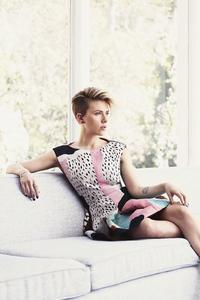 240x400 Scarlett Johansson Latest2019