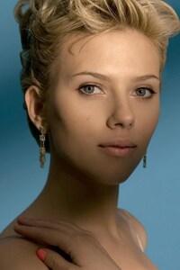 Scarlett Johansson New Hair Style
