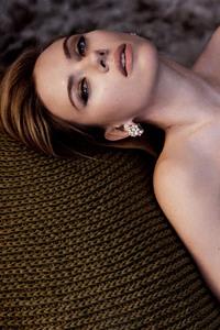 640x1136 Scarlett Johansson Photoshoot