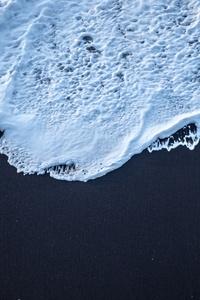 Sea Foam Black Sand 4k