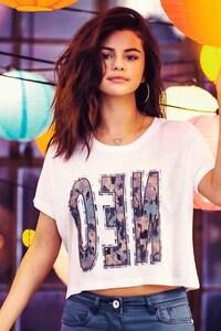 320x480 Selena Gomez 11