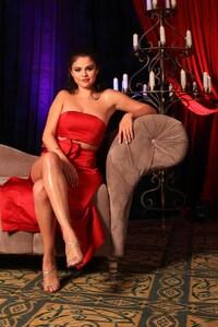 1080x2160 Selena Gomez 16
