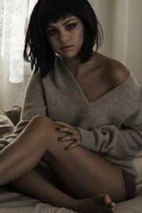 240x400 Selena Gomez 2020