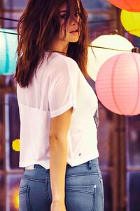 Selena Gomez 22
