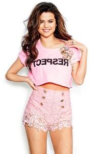 540x960 Selena Gomez 31