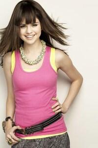 1242x2688 Selena Gomez 4