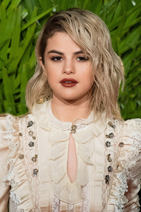 2160x3840 Selena Gomez 5k 2017