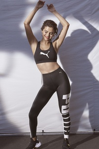 Selena Gomez PUMA DEFY 8k