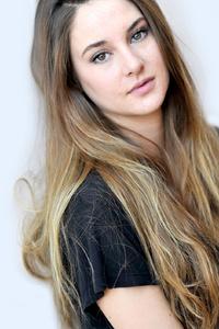 750x1334 Shailene Woodley Actress