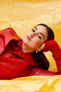 240x320 Shailene Woodley Juco Photoshoot For S Magazine