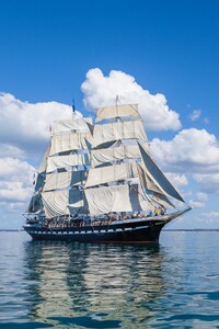 540x960 Ship 4k