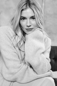 1440x2560 Sienna Miller Deadline Sundance Studio Portrait 4k