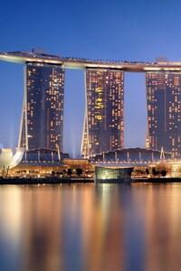 640x960 Singapore Skycrapper