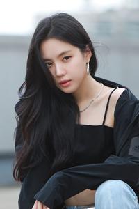 240x400 Son Na Eun 5k