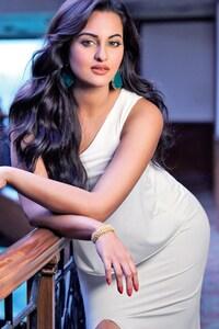 Sonakshi Sinha Wide