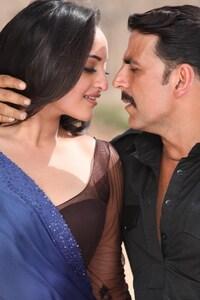 Sonakshi Sinha With Akshay Kumar