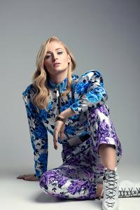 640x960 Sophie Turner Model