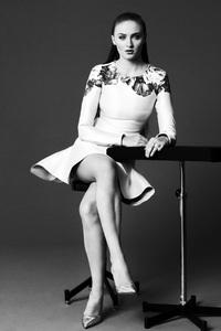Sophie Turner Monochrome 4k