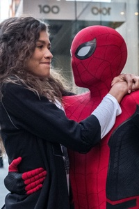480x800 Spider Man And Zendaya In Spider Man Far From Home 2019