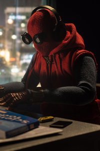 360x640 Spiderman Doing Work