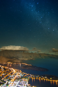 320x568 Stars Over Queenstown 8k