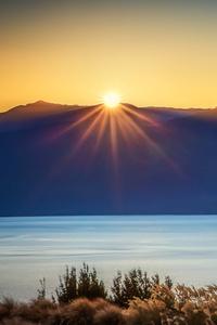 240x320 Sun Burst Lake Te Anau 4k