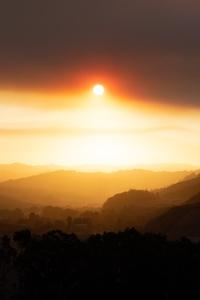 Sun Rays Over Mountains 5k