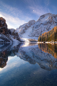 320x568 Sunrise In Braies Lake 4k