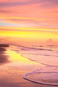 1440x2560 Sunrise On The Beach In The Summer Time At Ocean Isle Beach 4k