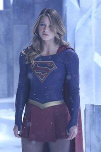 2160x3840 Supergirl Melissa Benoist