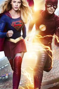 320x568 Supergirl X Flash 4k