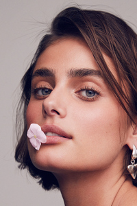 1440x2560 Taylor Hill Photoshoot By Marian Sell 2020 4k