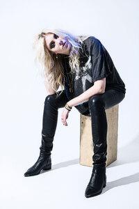 Taylor Momsen 2017