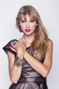 640x1136 Taylor Swift 2019