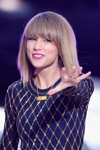 320x480 Taylor Swift 4