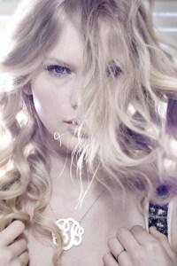 640x960 Taylor Swift 5