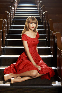 320x568 Taylor Swift American Singer Hd
