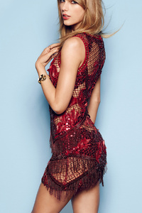 Taylor Swift Cosmopolitan