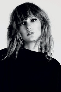 Taylor Swift Monochrome 5k