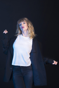 Taylor Swift Photoshoot 2019