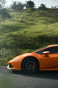 640x1136 The Lamborghini Huracan
